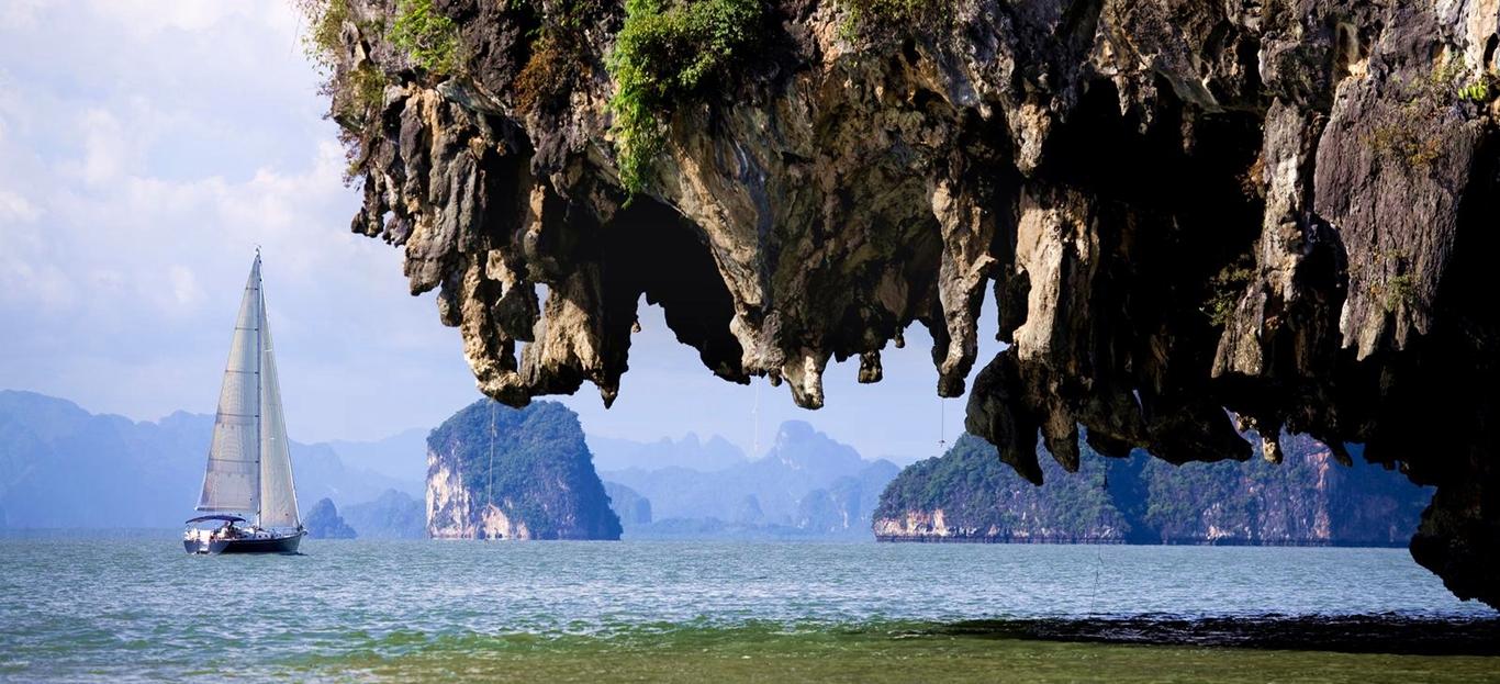 Sailing Phuket to Koh Phi Phi